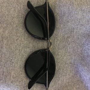 Ray-Ban Accessories - Authentic Brand New Raybans - 41mm Unisex